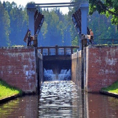Awgustov Canal